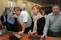 Nepříliš optimistická nálada vládla v sobotu vpodvečer v zasedacím sále středočeských zastupitelů na krajském úřadu, kde na sečtení výsledků voleb čekali zástupci středočeské ODS