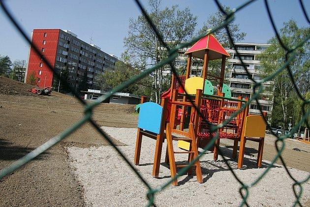 Centrální dětské hřiště v Kolíně v polovině dubna