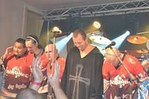 Koncert skupiny Manual a Komunál v Křečhoři