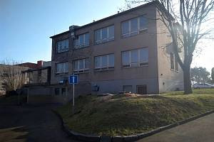 Bývalý pavilon patologie v areálu Oblastní nemocnice v Kolíně.