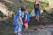 Opravený splav v Polepech