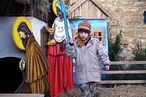 V Kostelci mají největší živý betlém široko daleko
