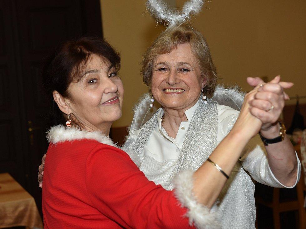Taneční setkání členů a příznivců Klubu přátel Františka Kmocha v neděli 9. prosince 2018  v Kolíně.