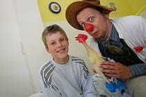 Děti v kolínské nemocnici navštívil zdravotní klaun