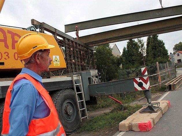 Stavba obchvatu Kolína přes Štítary.