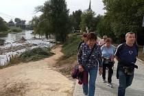 Výletníci z Peček se vydali podél Berounky k Praze.