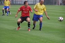 Z divizního fotbalového utkání Velim - Chrudim (2:0)