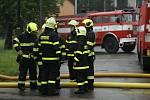 Ze zásahu hasičů u lokální záplavy v Sendražicích v neděli 14. června 2020.