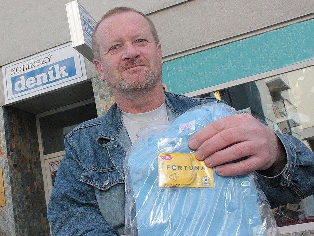 Vítěz 8. kola Vladimír Ullman z Kolína převzal od naší redakce dobíjecí kartu v hodnotě 100,–Kč a tričko.