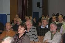 Ze setkání kolínské radnice s občany, kterým se nelíbilo pokácení stromů v Okružní ulici