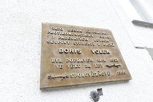 Památku Borise Volka uctili u jeho desky
