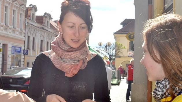 Kvítka na podporu boje proti rakovině se prodávala v mnoha městech v republice.