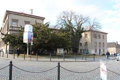 Budova bývalé Okresní vojenské správy na náměstí Republiky v Kolíně
