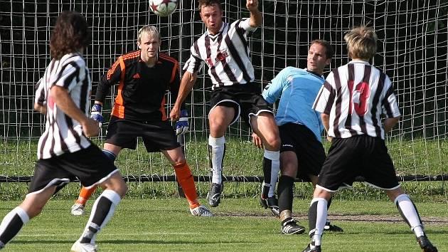 Z utkání Červené Pečky - Nymburk B (3:0).