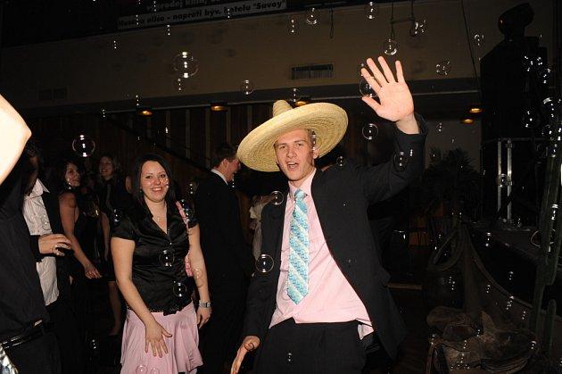 První bál letošní plesové sezóny se odehrával v mexickém stylu