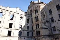Objekt známý jako Radimského mlýn je léta prázdný, v areálu v minulosti nalézali útočiště lidé bez domova.
