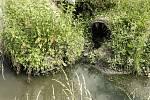 Libeničtí si stěžují na zápach ze splašků.