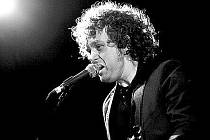 Irský kytarista Simon McBride