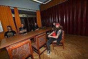 V salonku Městského společenského domu v Kolíně se losovalo pořadí soutěžních kapel na TPCA Beat Festivalu.