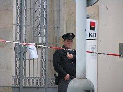 Komerční banka v Kolíně - z loupežného přepadení z pátku 26. 9. 2008
