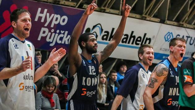 Hráči Kolína se radují. Právě vyhráli v Ostravě.