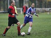 Z utkání fotbalové I. B třídy Pečky - Nymburk B (2:1).