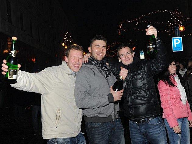 Oslava příchodu nového roku na Karlově náměstí v Kolíně