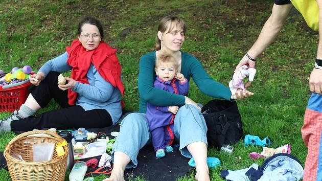 V Komenského parku se férově snídalo v rámci Fairtrade Česko a Slovensko.