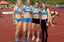 Vítězná štafeta žen na 4x400 m.