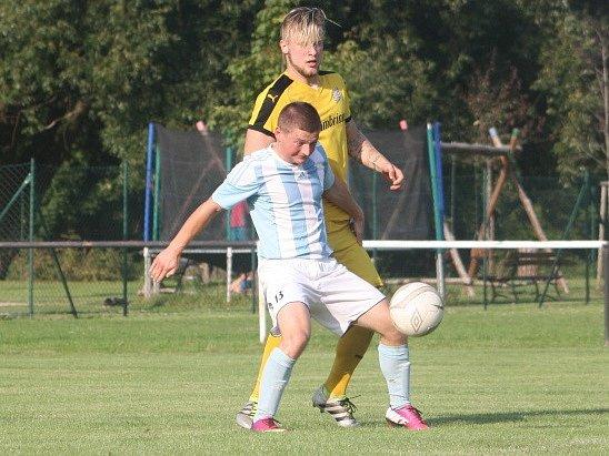 Z utkání Červené Pečky - Býchory (0:5).