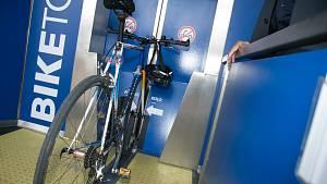Slavnostní otevření cyklověže u nádraží v Kolíně