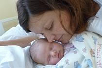 Karolína Suchanová se narodila 15. října 2021 v kolínské porodnici s váhou 3150 g. Do Benešova odjela se sourozenci Magdalénkou  (4.5), Edíkem (2.5) a rodiči Šárkou a Danielem.