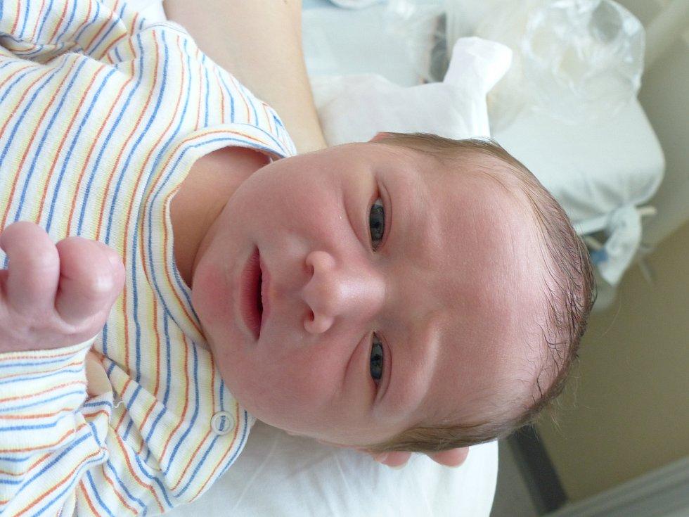 Šimon Holík se narodil 3. září 2021 v kolínské porodnici, vážil 3855 g a měřil 52 cm. V Kolíně se z něj těší maminka Lucia a tatínek Tomáš.