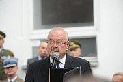 Pietní akt v Lošanech pozdravil telefonem z Ameriky Josef Mašín