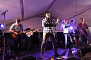 Dožínky přinesly zábavnou soutěž i festival rockových kapel