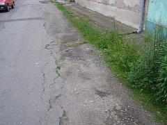 Silnice ve Velkém Oseku.