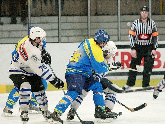 Z utkání II. hokejové ligy Kolín - Roudnice (4:6).