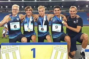 Kolínská štafeta juniorů v běhu na 4x100 m získala zlaté medaile.