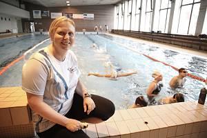 Jana Hubalová je předsedkyně oddílu Sparta Kutná Hora – oddíl plavání. Tento sport by doporučila každému jako kompenzační cvičení.