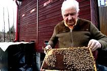 Pokud spotřebitelé už biomed z Plusu mají, měli by po spotřebování sklenici pořádně vymýt a zamezit, aby se k medu dostal medonosný hmyz a včelaři se tak nemuseli obávat o svá včelstva.