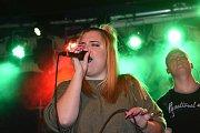 Kapely Komat, Imrvere a Kozičky zahrály v rockové hospodě U Vodvárků.