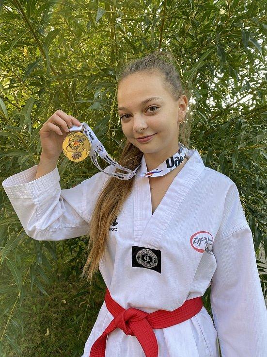 Michaela Baštecká s medailí z loňského mistrovství Evropy