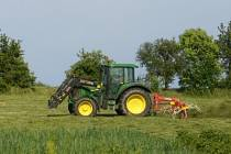 Zemědělcům počasí přálo hlavně při senosečích.