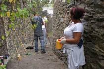 Romové ze Zengrovky při práci