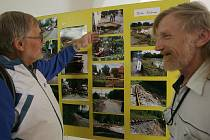 Výstava dokumentující povodně na Frýdlantsku v kulturním středisku v Pečkách