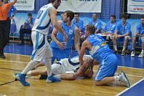 Play off: BC Farfallino Kolín - Prostějov (66:78).