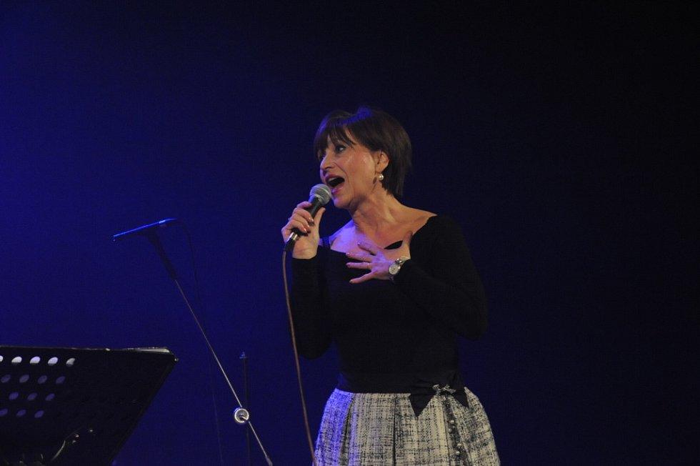Benefiční koncert Život bez bariér v Městském divadle Kolín