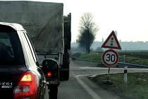 Provoz je řízený světelnou signalizací