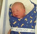 Václav Kopeček přišel na svět 12. října 2012 v 16.43 hodin. Po porodu vážil 3580 gramů a měřil 52 centimetry. Maminka Denisa a tatínek Václav budou syna vychovávat v rodném Kolíně.