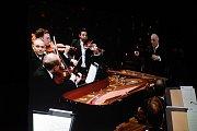 Už se stalo tradicí, že filmový rok v kolínském Kině 99 končí přímý přenos Galakoncertu Berlínské filharmonie. Ani letošní Silvestr nebyl výjimkou.